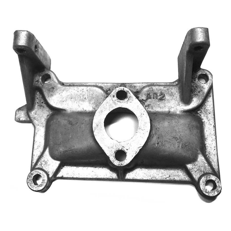 Патрубок (кронштейн) стартера лодочного мотора Ветерок 12